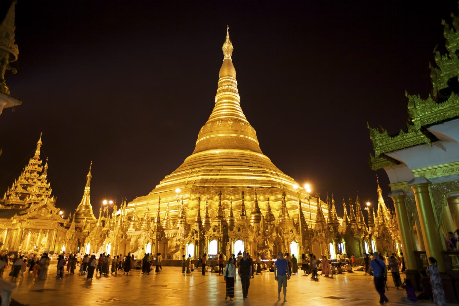 Good place to admire the beauty of Shwedagon