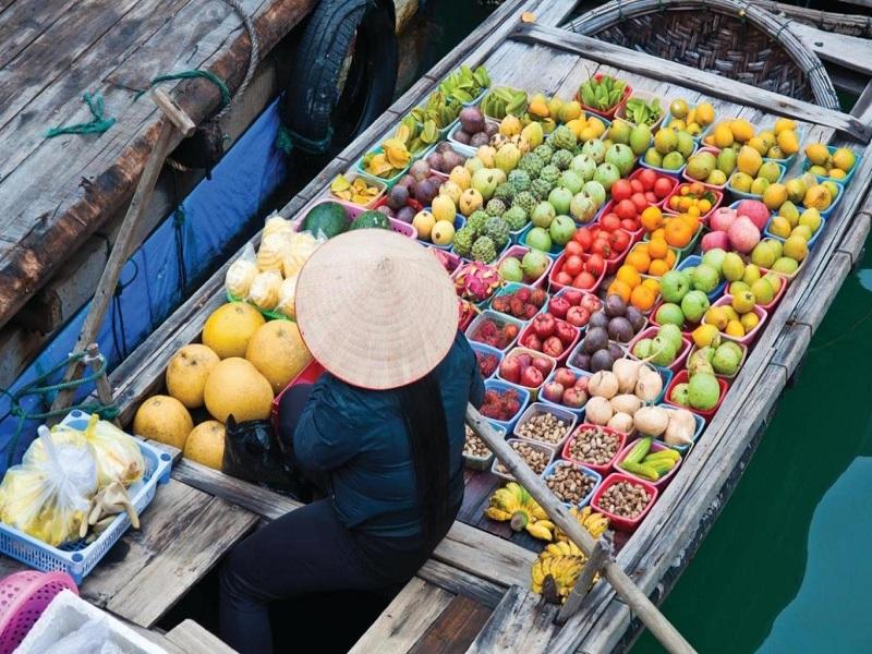 Visiting Mekong Delta floating markets