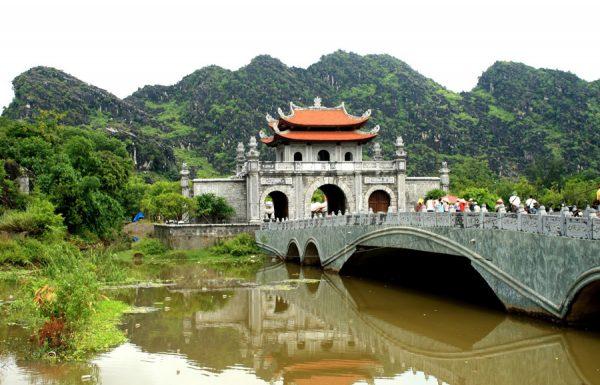 Bai Dinh Pagoda,Bai Dinh Pagoda in Ninh Binh,Bai Dinh Pagoda tours