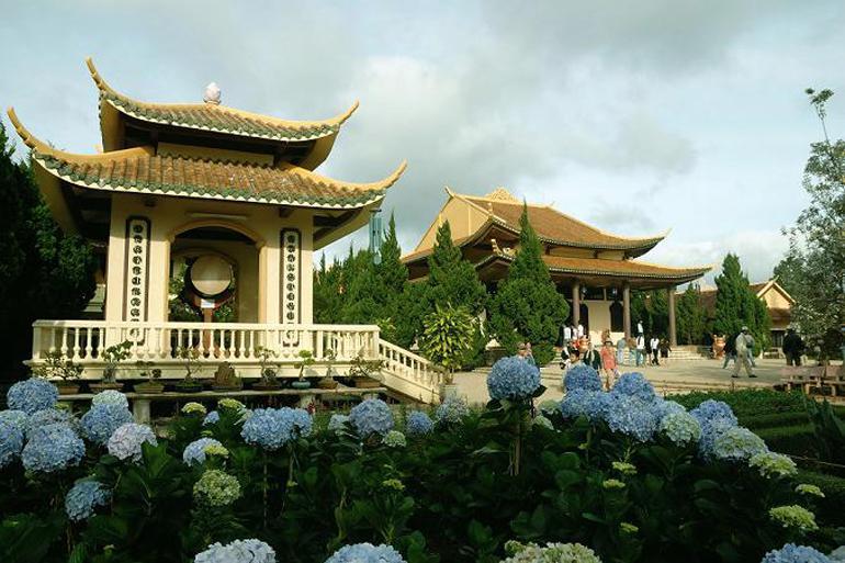 Truc Lam Temple (Thien Vien Truc Lam)