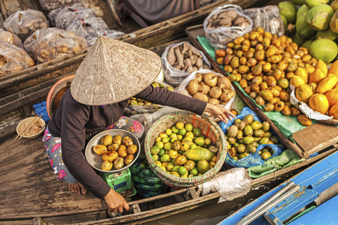 Mekong delta tours bring you to paradise of fruits