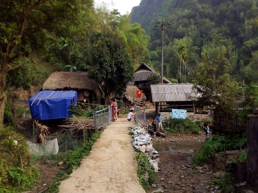 Kho Muong village