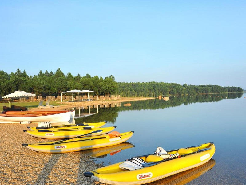 Famous-lakes-of-Vietnam3