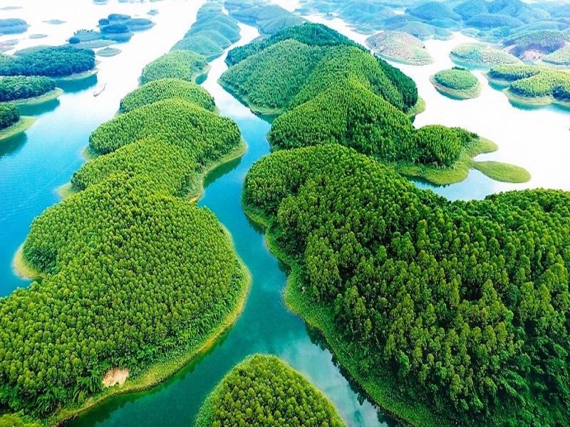 Famous-lakes-of-Vietnam5