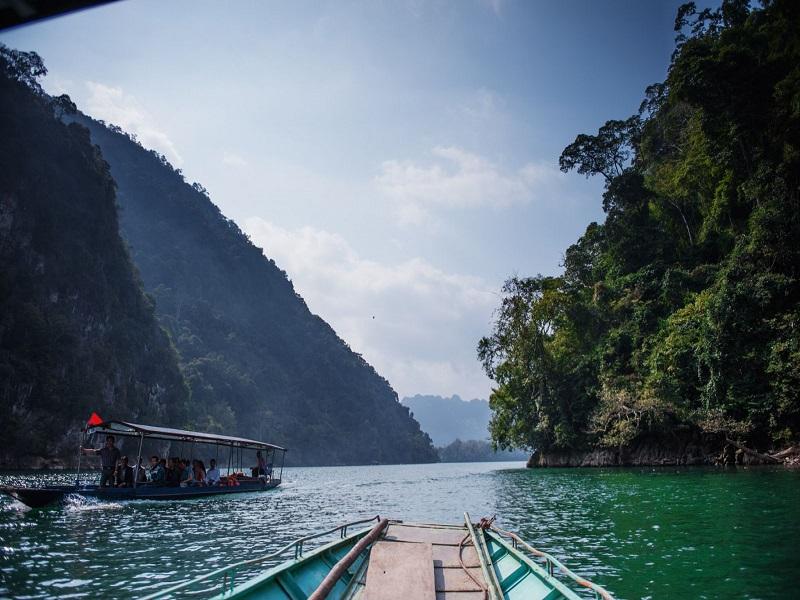 Famous-lakes-of-Vietnam6
