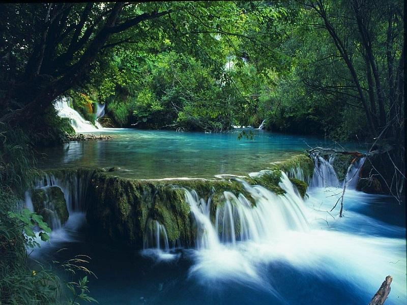 Famous-lakes-of-Vietnam7