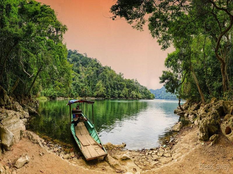 Famous-lakes-of-Vietnam9