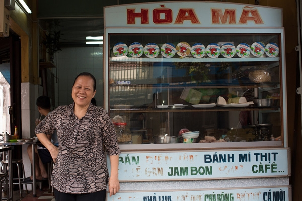 Banh Mi - the delicious Vietnamese street food over the years 1