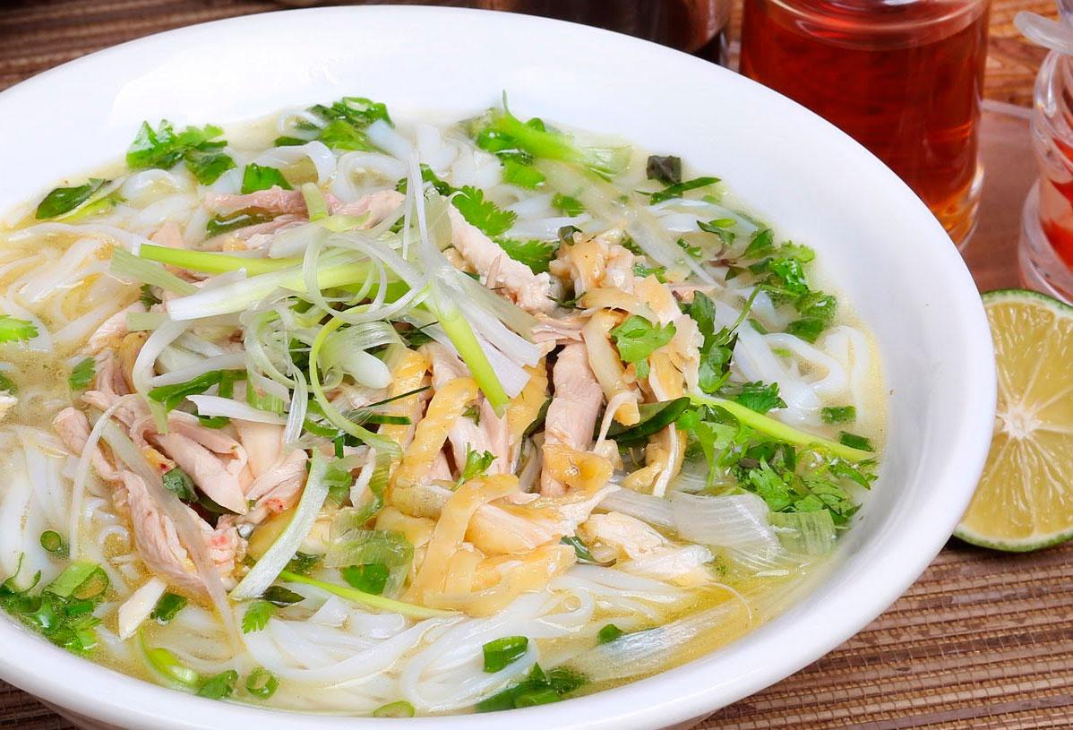 The-diversity-of-Hanoi-cuisine-1