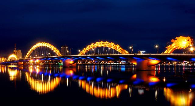 Beautiful Da Nang scenery at night