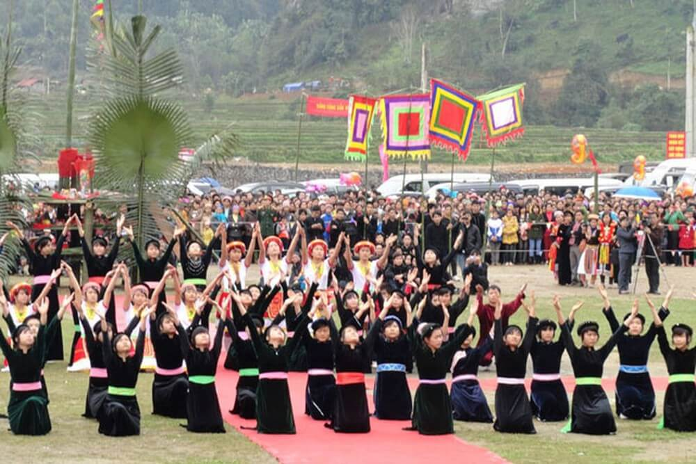 Discover Long Tong festival of Tay Sapa people