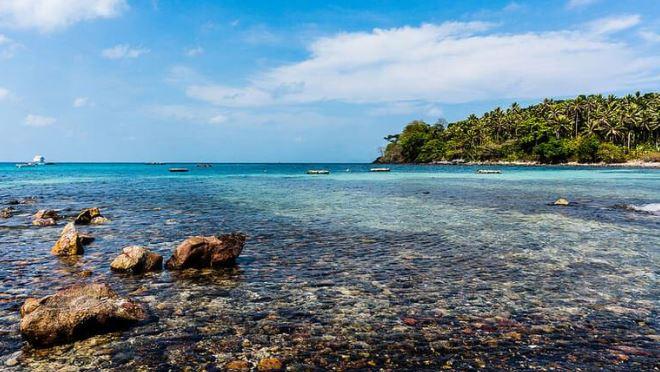 Discover the wild character of Ngu beach Nam Du Beach in Kien Giang